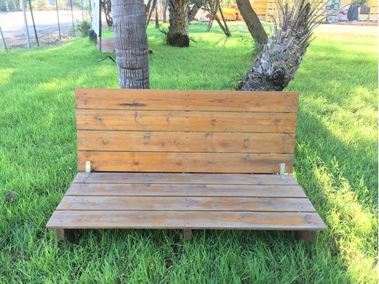 """תמונה של ספסל עץ לגינה 1.50X60 ס""""מ."""