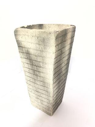 """תמונה של עציץ בטון 40X60 ס""""מ."""